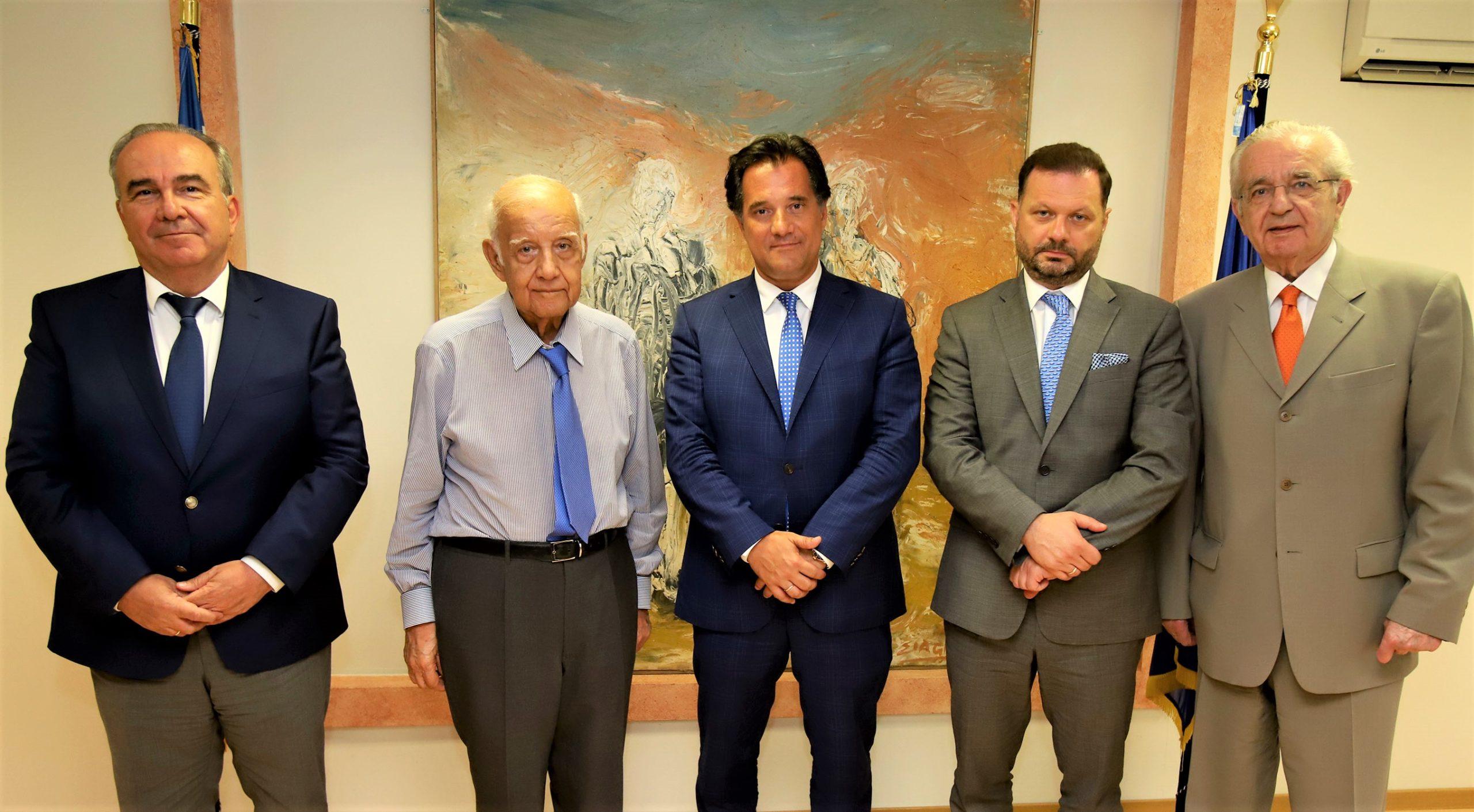 Συνάντηση του Υπουργού Ανάπτυξης και Επενδύσεων, κ Άδωνι Γεωργιάδη και του Υφυπουργού, κ. Νίκου Παπαθανάση για την εξεύρεση λύσης για την εξυγίανση των Ναυπηγείων Ελευσίνας