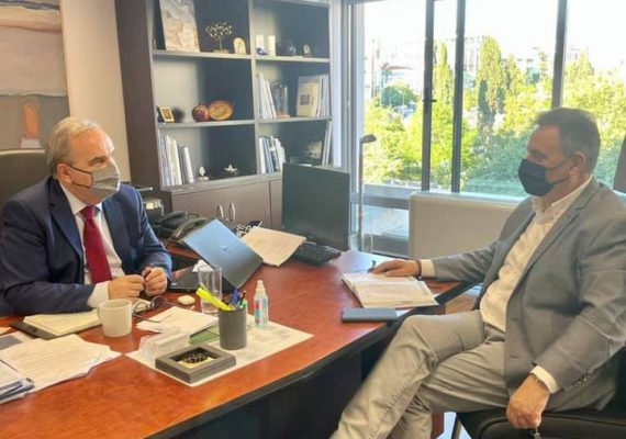 Συνάντηση του Αναπληρωτή Υπουργού Ανάπτυξης και Επενδύσεων κ. Νίκου Παπαθανάση με τoν βουλευτή Λευκάδας κ. Αθανάσιο Καββαδά