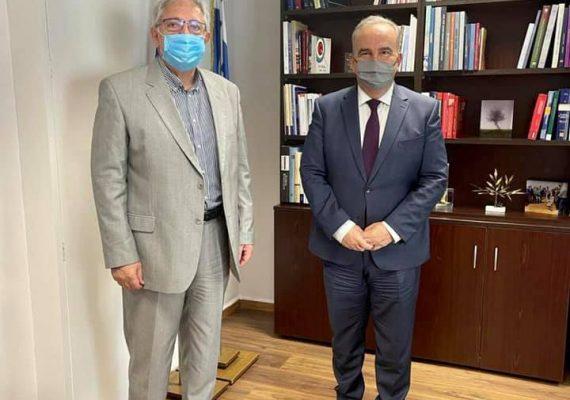 Συνάντηση του Αναπληρωτή Υπουργού Ανάπτυξης και Επενδύσεων κ. Νίκου Παπαθανάση με τον Δήμαρχο Αμαρουσίου κ. Θεόδωρο Αμπατζόγλου