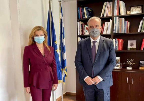 Ο Νίκος Παπαθανάσης, Αναπληρωτής Υπουργός Ανάπτυξης και Επενδύσεων, συναντήθηκε με την Βουλευτή Ηλείας  Διονυσία-Θεοδώρα Αυγερινοπούλου