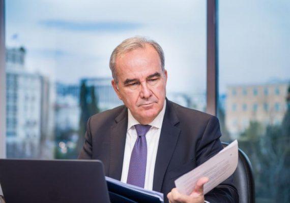 Ο Νίκος Παπαθανάσης, Αναπληρωτής Υπουργός Ανάπτυξης και Επενδύσεων, στην «Ημερησία»