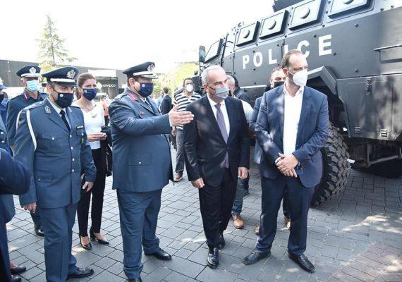 Ο Νίκος Παπαθανάσης στο περίπτερο της Ελληνικής Αστυνομίας στην 85η ΔΕΘ